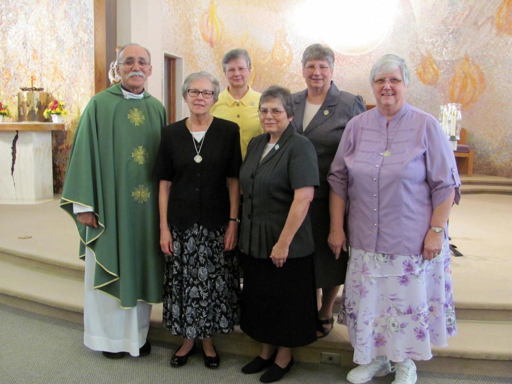 Fr. DiPietro, Sr. Grace, Sr. Janelle, Sr. Diane, Sr. Cynthia, Sr. Madeline